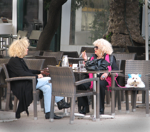 Juha Siro: Ateenan kahvilassa.