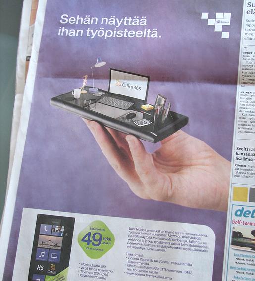 Lumia 900 mainontaa, kesäkuu 2012.
