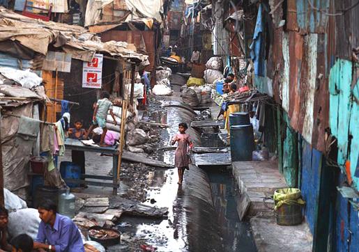 Dharavin slummi, kuva Jonas Bendiksen (sivusto: National Geographic)